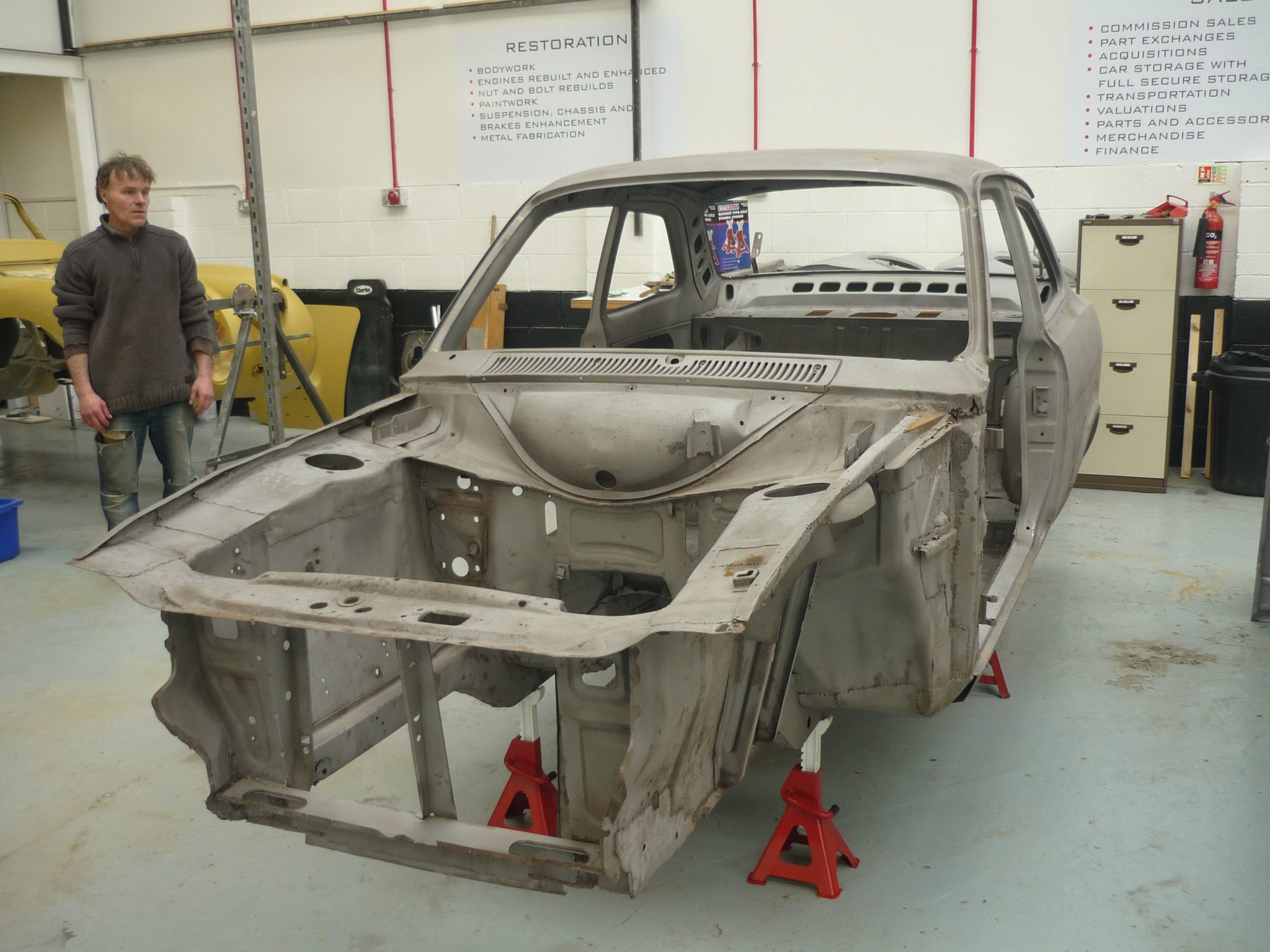 Ford Escort Body Shell