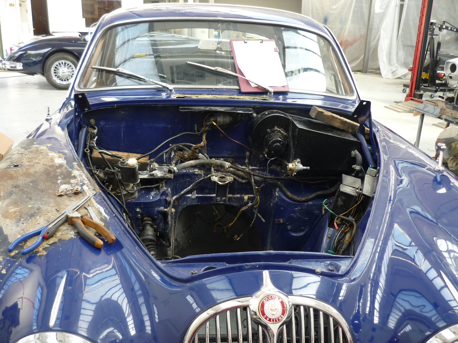Jaguar MKII Pre re-spray