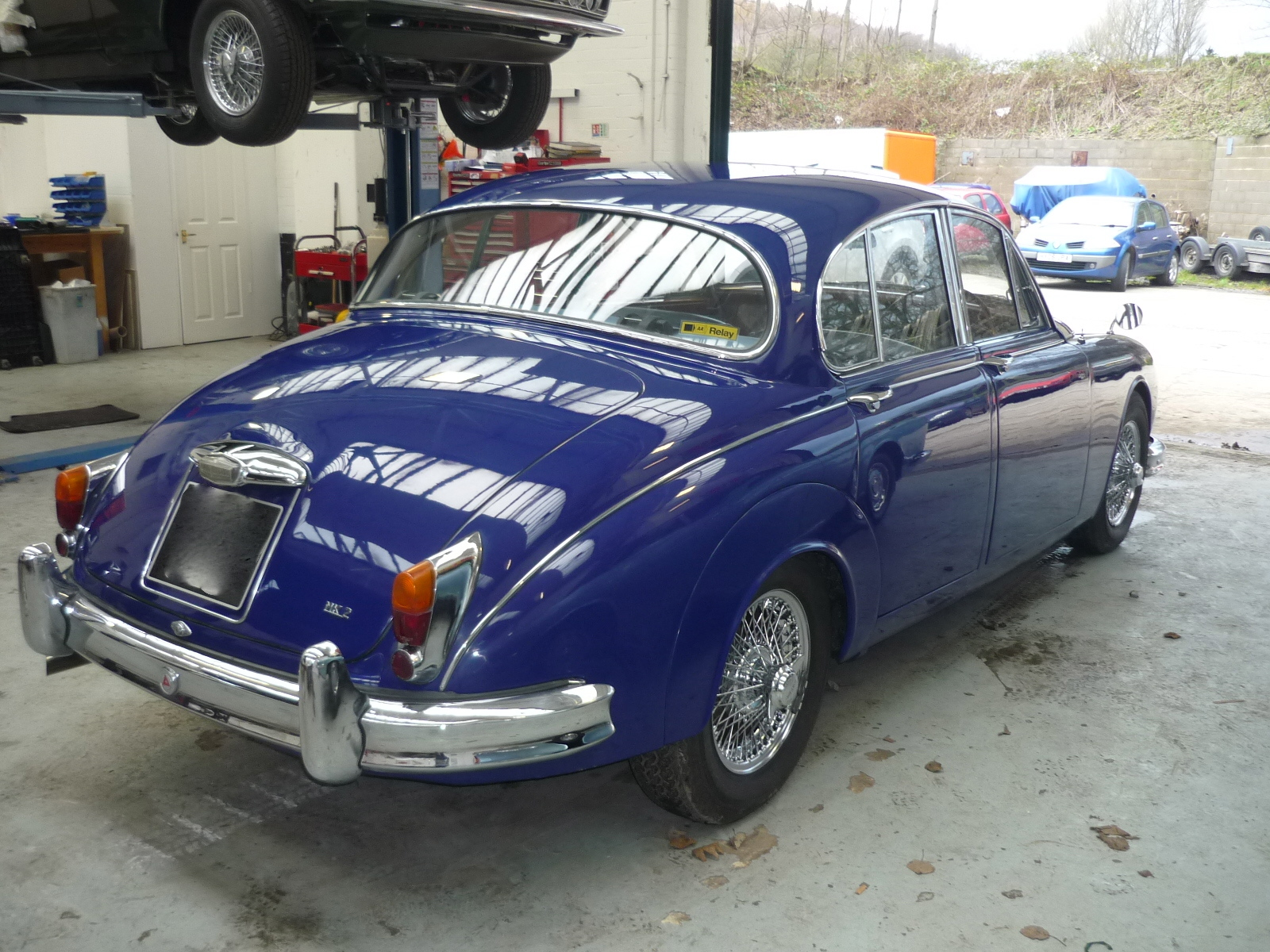 Jaguar MKII re-spray finished